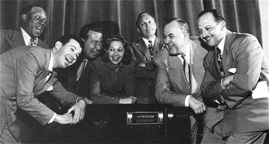 Jack_Benny_group_photo.jpg