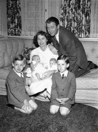 james-gloria-and-their-children