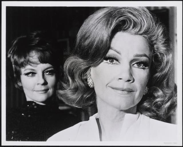 6._Penny_Fuller__Anne_Baxter_in_APPLAUSE._MN126871