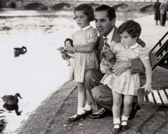 Tyrone-Power_daughters_Romina_Taryn.jpg