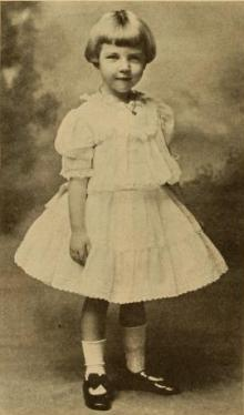 una-as-child-photoplay-1932.jpg