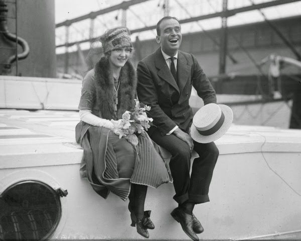 Mary Pickford Douglas Fairbanks honeymoon 1920.jpg