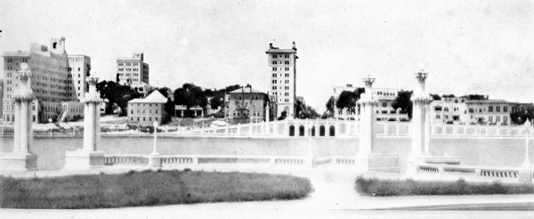 HLI-logo-Downtown-circa-1920-State-Archives-of-Florida.jpg
