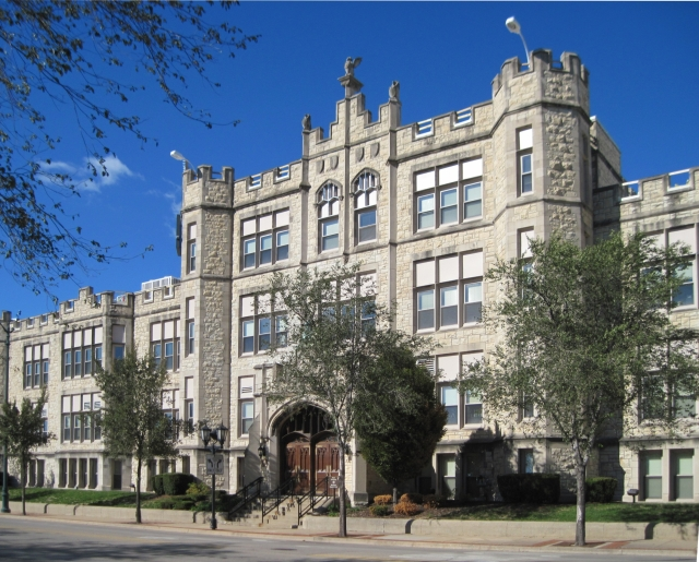 Joliet_Township_High_School_1