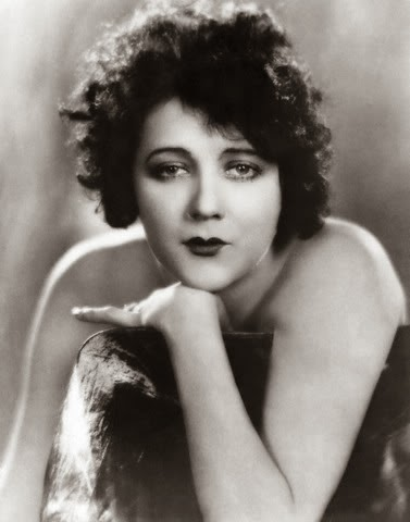 Barbara-La-Marr-July-28-1896-January-30-1926-celebrities-who-died-young-31196448-377-480.jpg