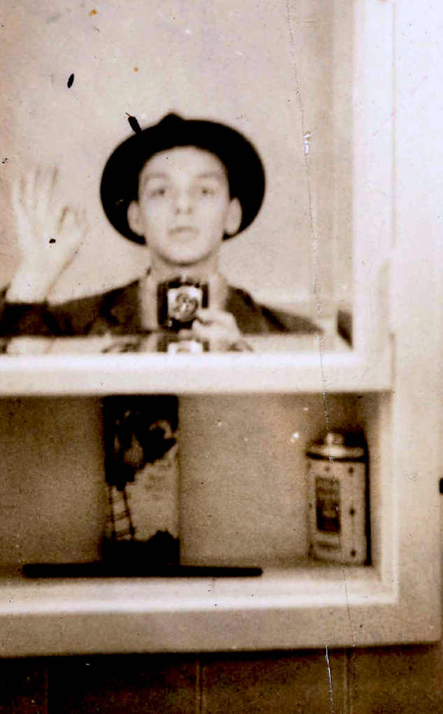 "This 1938 photo provided by Sinatra Family Archive shows Frank Sinatra in a self portrait he shot in front of his Hoboken, N.J. bathroom mirror. The selfie will be displayed in an exhibition at the Morrison Hotel Gallery in New York from March 5-26. ""The Sinatra Experience"" is just one New York exhibit featuring rare photos and mementos to mark the centennial of Sinatra's birth. Sinatra was born Dec. 12, 1915, and died at 82 in 1998. (AP Photo/Sinatra Family Archive via The Press House)"