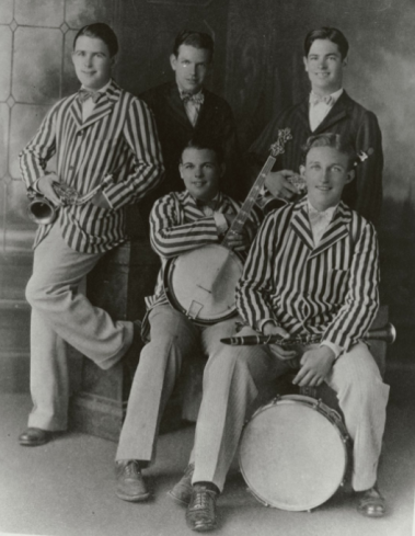 The Musicaladers.