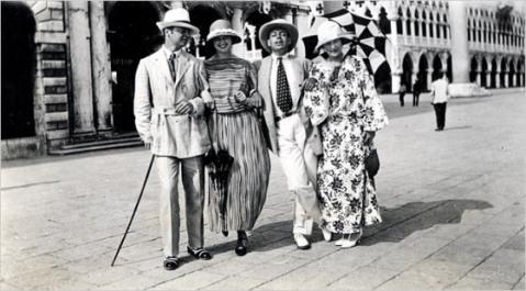 gerald-murphy-genevieve-carpenter-cole-porter-and-sara-murphy-in-venice-1923