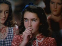 Liz-in-National-Velvet-elizabeth-taylor-5245250-500-377