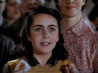 Liz-in-National-Velvet-elizabeth-taylor-5245349-500-377