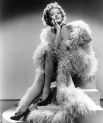 Annex - Dietrich, Marlene (Destry Rides Again)_02
