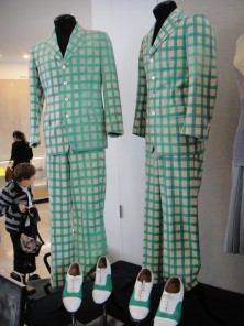 Debbie_Reynolds_Auction_-_Gene_Kelly_and_Donald_O'Connor_costumes_from__Singin'_in_the_Rain_