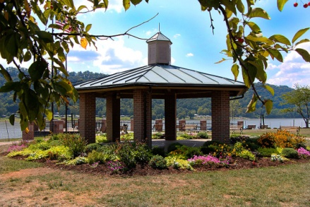 madison-gazebo-on-ohio-river