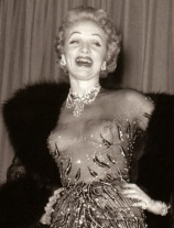 Marlene Dietrich in a Jean Louis Nude Gown, Las Vegas 1953 (lastgoddess.blogspot.com)