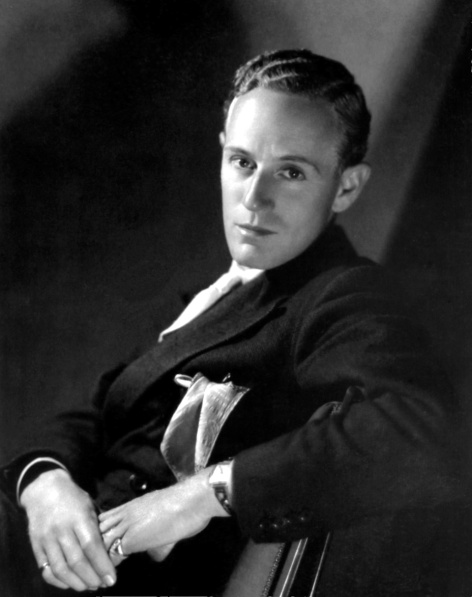 029-leslie-howard-theredlist.jpg