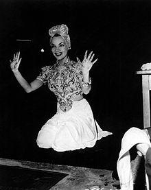 Carmen_Miranda_-_Grauman's_Chinese_Theatre,_1941
