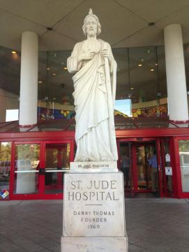 This-St.-Jude-statue-stands-at-the-main-entrance-of-St.-Jude-Childrens-Research-Hospital.-