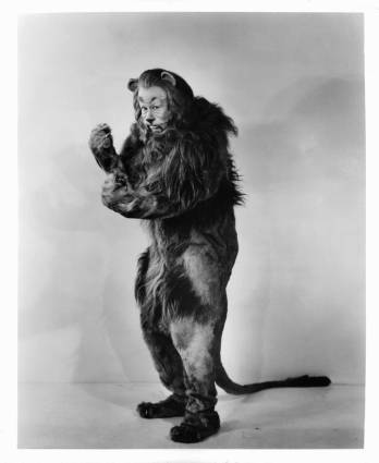 Bert Lahr as the Cowardly Lion in a scene from the film 'The Wizard Of Oz', 1939. (Photo by Metro-Goldwyn-Mayer/Getty Images)