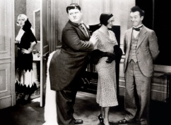 laurel-hardy-chickens-come-home_01