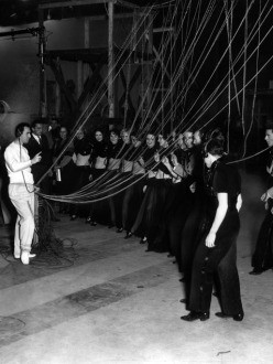 busby-rehearsing-gold-diggers-1935