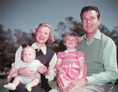 June-Allyson-and-husband-Dick-Powell-with-children-Ricky-and-Pamela-1951