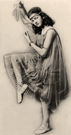 myrna_williams_loy_1917