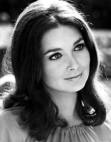 220px-Suzanne_Pleshette_-_1969