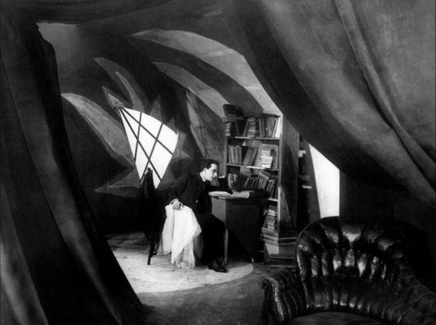 Cabinet-of-The-Cabinet-of-Dr-Caligari-1920-20.jpg