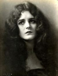 mary-astor-long-hair
