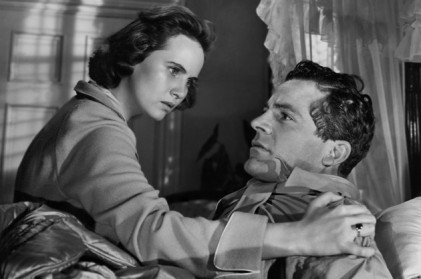 """The Best Years of Our Lives"" starred Teresa Wright as Peggy Stephenson and Dana Andrews as war veteran Fred Derry. The drama, which depicted the problems faced by three veterans returning home after World War II, won the OscarÆ for Best Picture of 1946. Restored by Nick & jane for Dr. Macro's High Quality Movie Scans Website: http:www.doctormacro.com. Enjoy!"