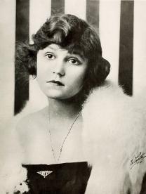 Alice_Brady_1916