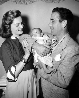 No Merchandising. Editorial Use Only. No Book Cover Usage Mandatory Credit: Photo by Everett Collection/REX USA (190167ac) HUMPHREY BOGART WITH LAUREN BACALL AND SON STEPHEN HUMPHREY BOGART - 1940S HUMPHREY BOGART